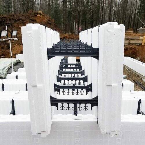 11-Stronghold-ICF-Blocks-Insulated-Concrete-Forms-ICF-Block-Concrete-Setting-Up